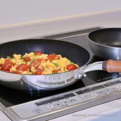 センレンキャスト閃をIHキッチンで使用
