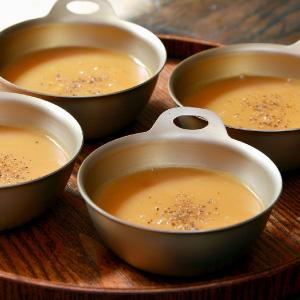 アルミボウルを冷静スープの器として使用
